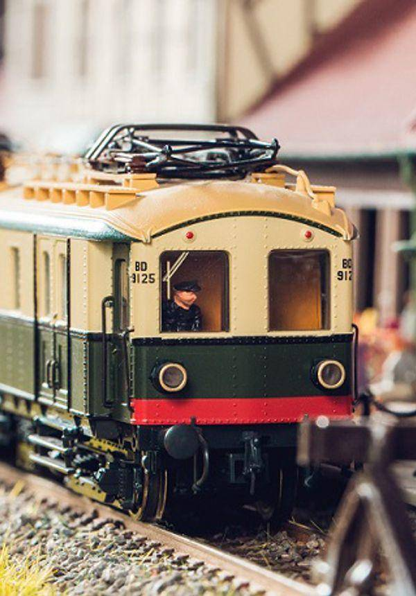 WeDream Miniature World of Trains