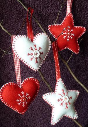 Boozy Craft Club: Felt Christmas Decorations