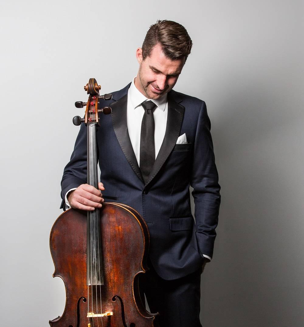 Chris Howlett Cellist