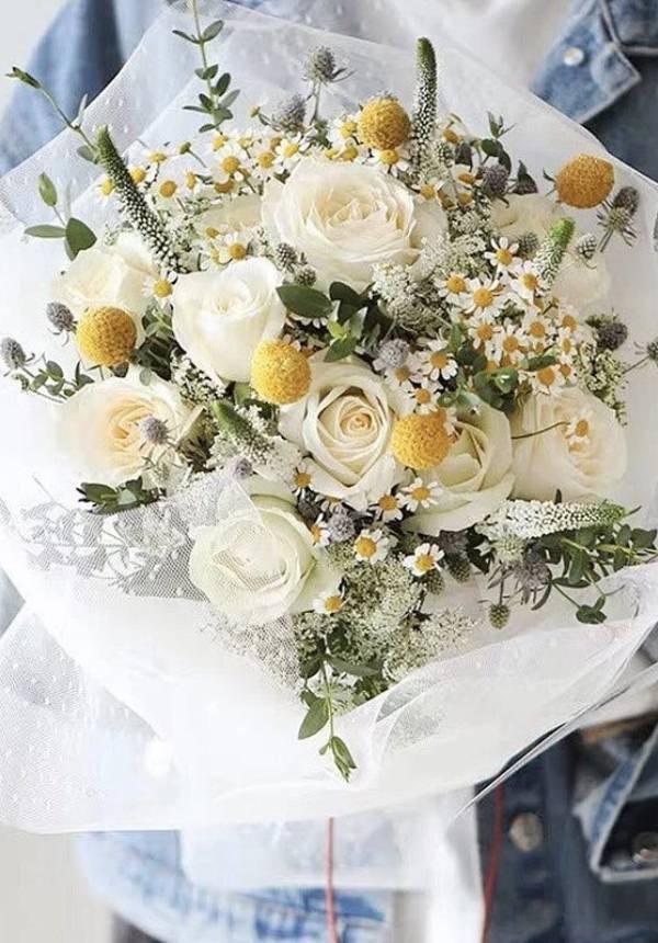 White Romantic Bouquet
