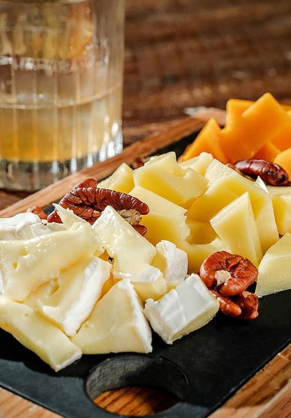 [34% OFF] Wine & Cheese Package for 2 @ Calypso Restaurant & Lounge