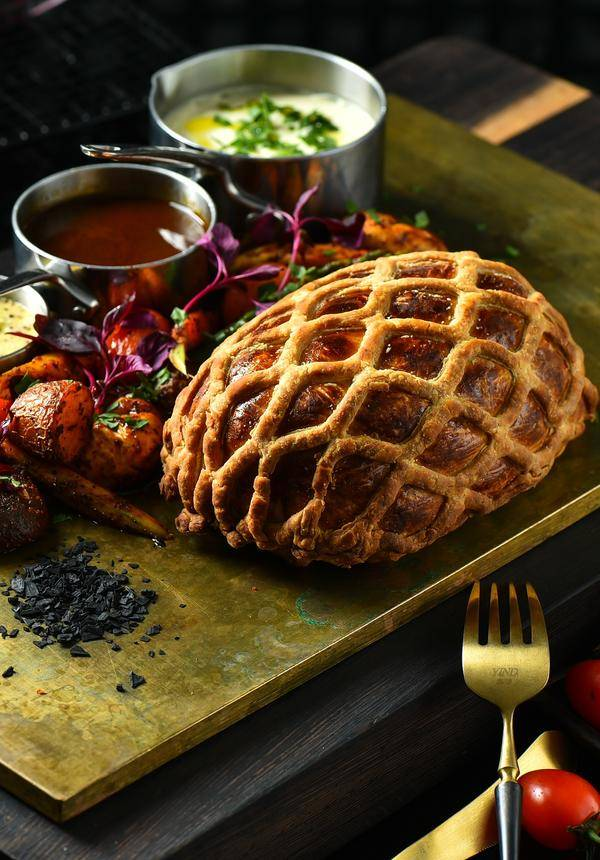 [42% OFF] Beef Wellington Deal for 2 @ Cachet Lounge